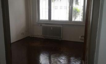 Prenájom 4-izbového bytu v LC