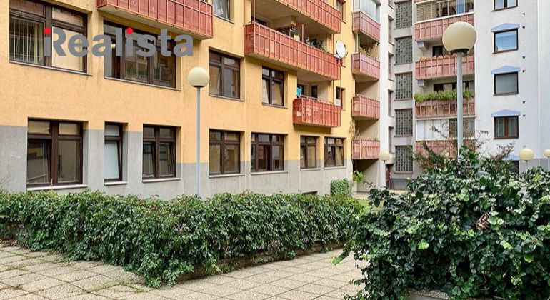 Čiastočne zariadený 2i byt v Bratislava I. / Holekova