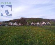 EXKLUZÍVNE Na predaj pozemok na rodinný dom 1440 m2 Cigeľ FM1172