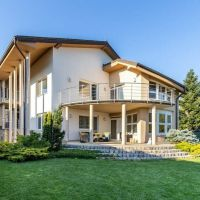 Rodinná vila, Košice-Západ, 800 m², Kompletná rekonštrukcia