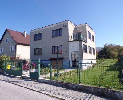 Na predaj rodinný dom Lehota pod Vtáčnikom 675 m2 FM1174