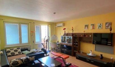Na predaj 2.izbový byt Petržalka, Vyšehradská.