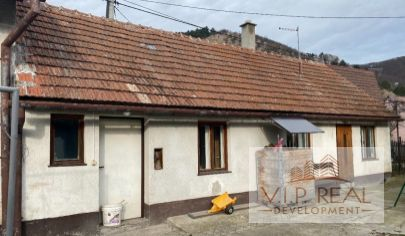 Na predaj rodinný dom s chalúpkou Plavecký Mikuláš.