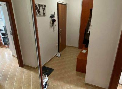 Predám priestranný 2 izbový byt v super lokalite Sihoť 1  v Trenčíne