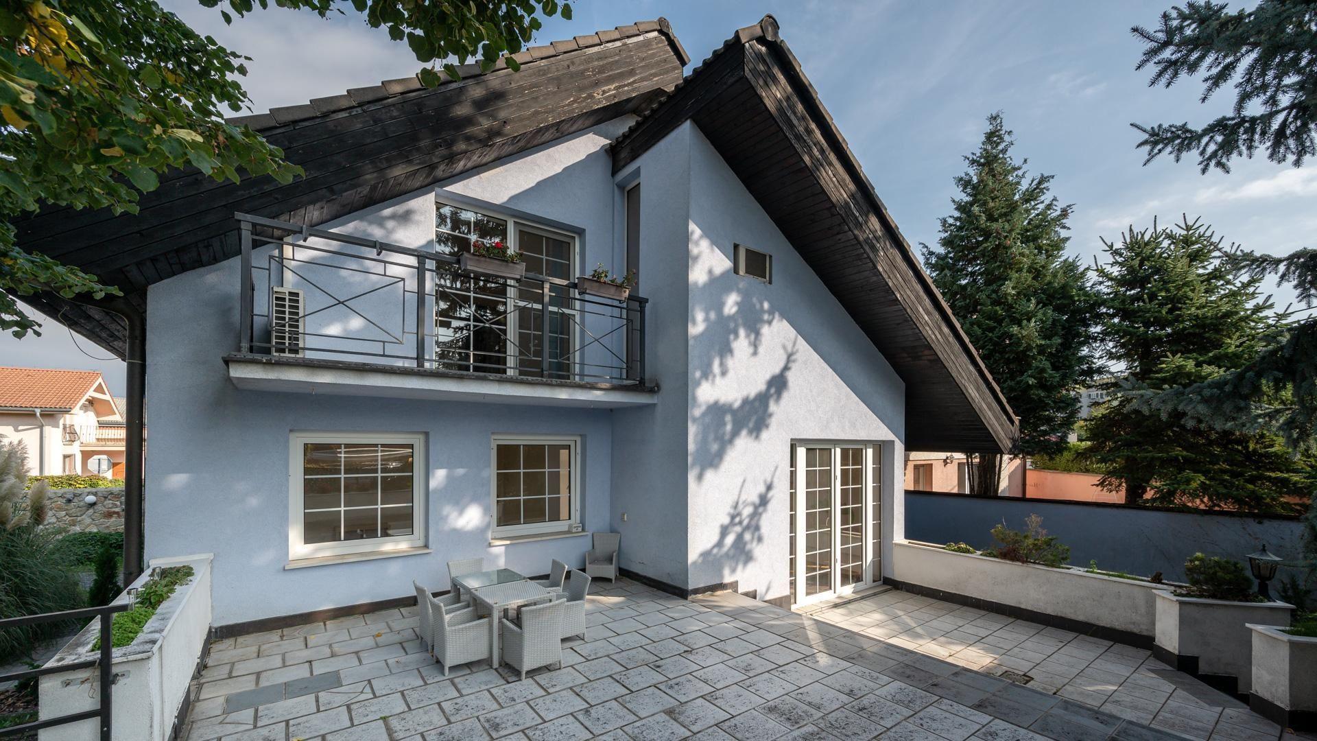 Rodinný dom-Predaj-Bratislava - mestská časť Vrakuňa-490000.00 €