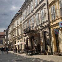 5 a viac izbový byt, Bratislava-Staré Mesto, 220 m², Kompletná rekonštrukcia