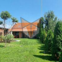Rodinný dom, Hrnčiarovce nad Parnou, 1 m², Kompletná rekonštrukcia