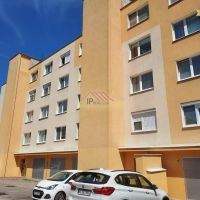 3 izbový byt, Bratislava-Dúbravka, 68 m², Pôvodný stav