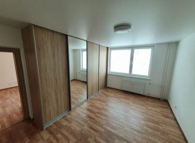 3 izbový byt s balkónom na sídl. Juh - NOVÁ  REKONŠTRUKCIA