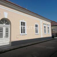 Iné komerčné priestory, Nitra, 262 m², Kompletná rekonštrukcia