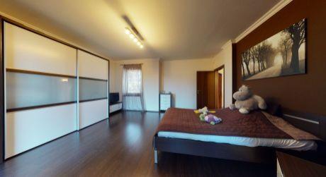 Luxusný rodinný dom  /330 m2, pozemok 830 m2/ Floreát Piešťany