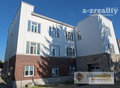 Ponúkame na prenájom komerčné priestory v Komárne