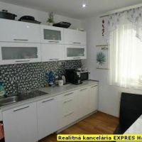 4 izbový byt, Handlová, 86 m², Kompletná rekonštrukcia