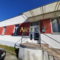 Obchodné, Senica, 50 m², Kompletná rekonštrukcia