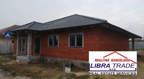 PREDAJ - NOVOSTAVBA 4 izbového rodinného domu v DAISY RESIDENCE V KOMÁRNE