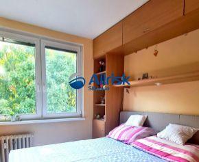 Na predaj veľký 3,5 izbový byt v Nitre v pôvodnom stave, v obľúbenej lokalite Chrenová.