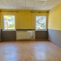 Kancelárie, Šurany, 20 m², Kompletná rekonštrukcia