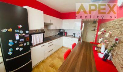 Exkluzívne APEX reality 3i. byt po kompletnej rekonštrukcii v Dolnom Trhovišti, 90 m2, 2x balkón, pivnica,