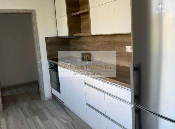 Predaj 3 izbový byt, balkón, Chrenová, kompl. rekonštrukcia