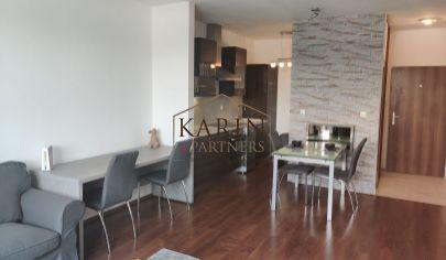 PRENÁJOM - zariadený 2 izbový byt s terasou a garážovým státím v Mlynskej Doline