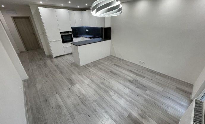 Ponúkame na predaj 3 izbový byt po rekonštrukcii na skok od OD Vivo na Riazanskej ulici , Bratislava - Nové Mesto