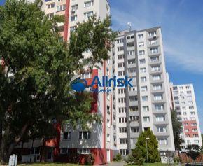 Na predaj - 3 izbový byt s lodžiou v dobrej lokalite za ROZUMNÚ CENU - Petržalka