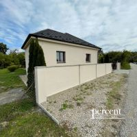 Rodinný dom, Trávnik, 103 m², Kompletná rekonštrukcia
