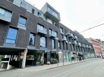 BA I. Luxusný 4 izbový byt na prenájom na Dunajskej ulici