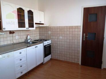Prenájom veľký 3- izbový byt 84m2 Nitra, spodná časť Klokočiny