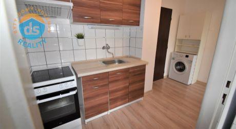 Na predaj 1 izbový byt s balkónom, 32 m2, Dubnica nad Váhom, ul. Kap. Nálepku