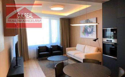 Ponúkame na prenájom luxusný 2-izbový byt v SKYPARKU na ul. Čulenová, lokalita Bratislava I.-Staré Mesto