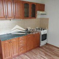 2 izbový byt, Levice, 67 m², Čiastočná rekonštrukcia