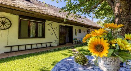 Atypický rodinný dom s krásnou záhradou v obci Bernolákovo