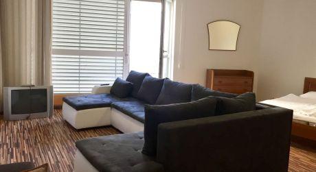 Bývajte v 1 izbovom byte s terasou v centre Bratislavy