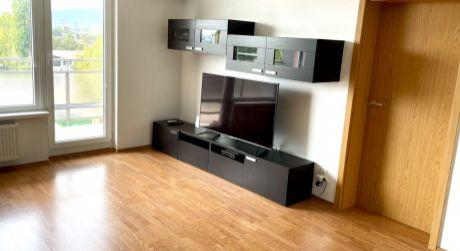 Bývanie v 2 izbovom byte v Bratislave - Nové Mesto