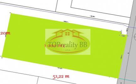 Rovinatý, slnečný stavebný pozemok 1 000 m2, 15 km od Banskej Bystrice -  Cena 153 000 €