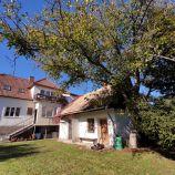 Rodinný dom s nádhernou rozsiahlou záhradou v centre mesta BOJNICE