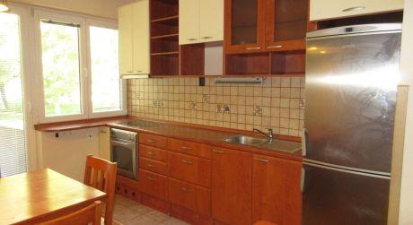 Na prenájom zrekonštruovaný, priestranný dvojizbový byt, ul. Winterova, Piešťany - centrum