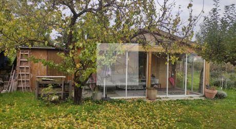 Celoročné obývateľná chata s veľkou záhradou, 1 000m2