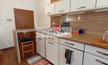 3-izbový byt na Dobrovičovej ulici
