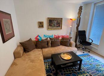 Nové Bývanie - prenájom 3 izbový byt, Staré mesto - Zámocká, 1100€ ( vrátane energií, vrátane garážového státia)