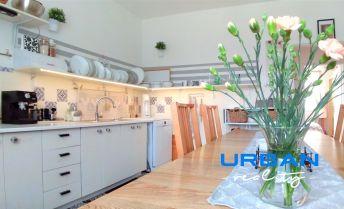 Rodinný dom Tureň, podpivničený s podkrovím, pozemok 966 m2