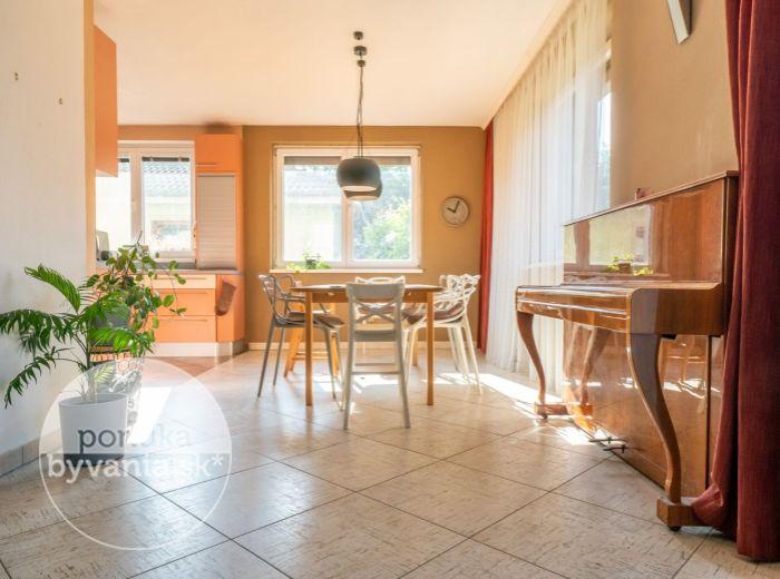 VIŠŇOVÁ MALINOVO, 5-i dom, 206 m2 - pozemok 623 m2, BAZÉN, garáž, krytá terasa, TICHÁ LOKALITA