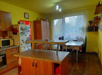 Predaj veľkometrážneho, zrekonštruovaného 3.izb bytu v Nitre na Klokočine