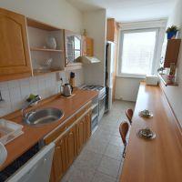 3 izbový byt, Bratislava-Petržalka, 70 m², Čiastočná rekonštrukcia