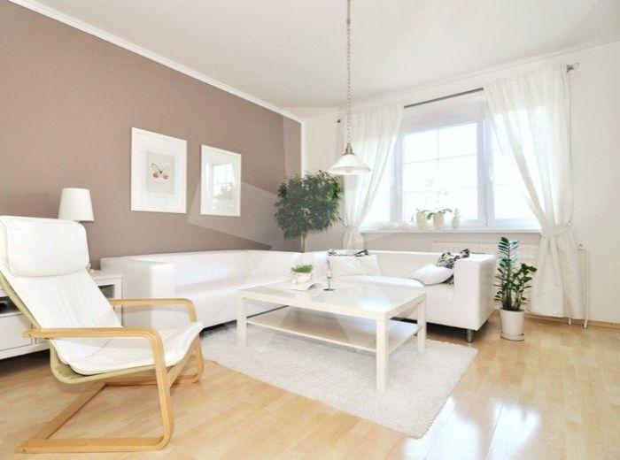 PREDANÉ - HLAVÁČIKOVA, 3-i byt, 74 m2 - čiast. rekonštrukcia, ZATEPLENÁ SEDEM POSCHODOVÁ BYTOVKA, nerušený VÝHĽAD NA RAKÚSKO A PRÍRODU