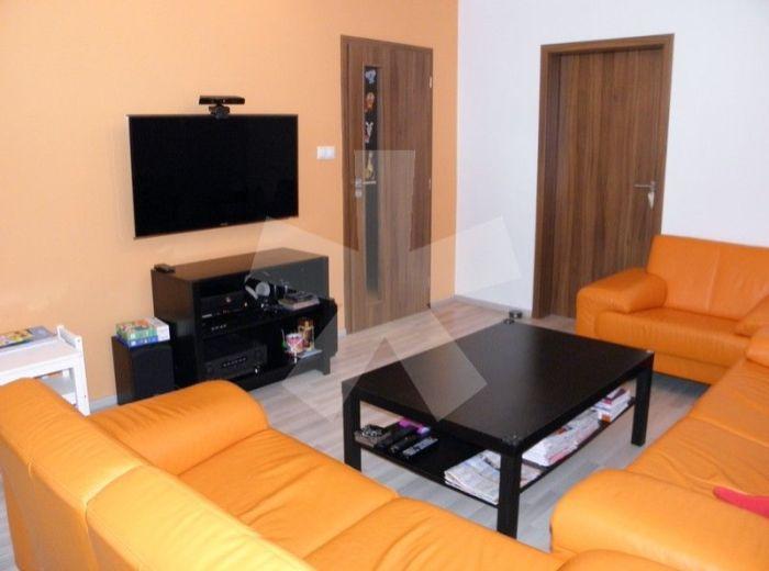 PREDANÉ - GALLAYOVA, 4-i byt, 79 m2 – zateplená 4-podlažná bytovka, príjemná, tichá lokalita, KOMPLETNÁ REKONŠTRUKCIA