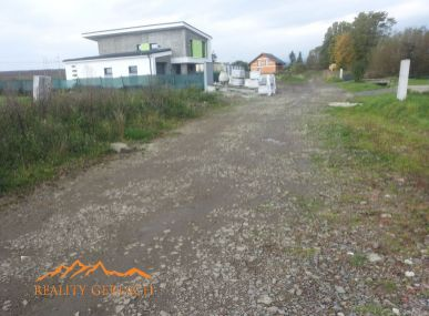 Stavebný  pozemok  v obci V. Slavkov
