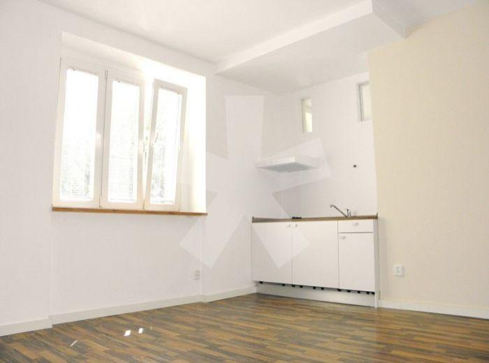 PREDANÉ - PRIEVOZSKÁ, 2-i byt, 48 m2 – imidžový, tehlový byt vo výbornej lokalite oproti Apollo BC, bývanie ako V NOVOSTAVBE