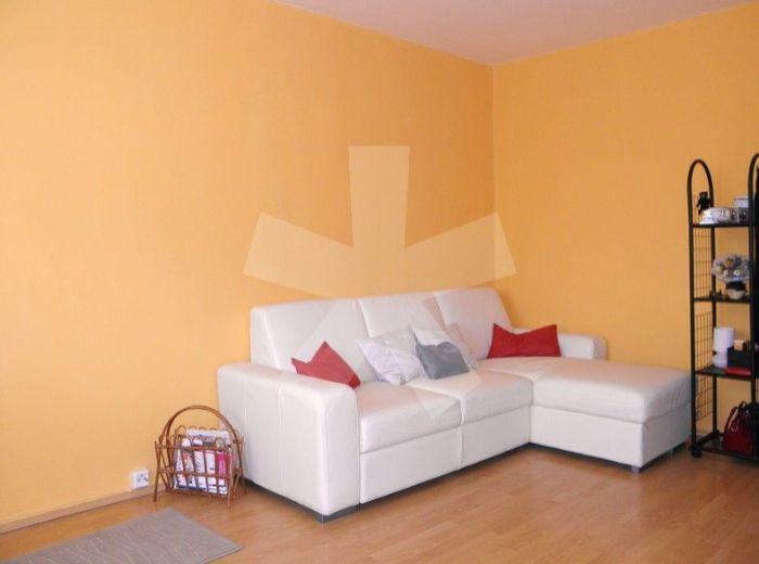 PREDANÉ - HRONSKÁ, 1-i byt, 35 m2 – tichá a zelená lokalita, v ATRAKTÍVNE OBNOVENOM A ZATEPLENOM BYTOVOM DOME
